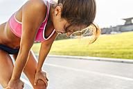 Athlete taking a braek at training - MGOF02487