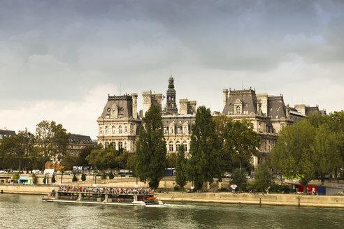 France, Paris, Tourist boat on river Seine - FC01086
