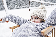 Happy girl on sledge - HAPF00968
