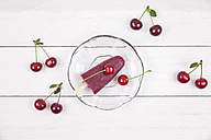Sour cherry ice lollies and cherries - GWF04890