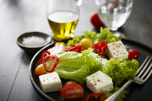 Feta salad with red bell peppers, tomatoes and olive oil - KSWF01765