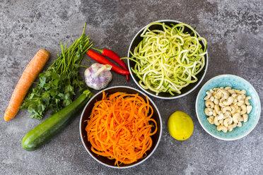 Ingredients of vegetable noodle salad - SARF03010