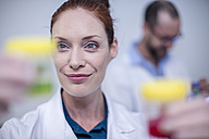Smiling woman in lab - ZEF10824