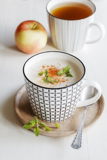 Vegetarian soup with coconut milk, apple and dates - EVGF03087