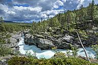 Norway, Oppland, river Sjoa in Ridderspranget ravine - STSF01133