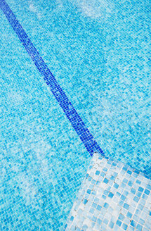 Geometric abstraction in a pool - RAEF01520