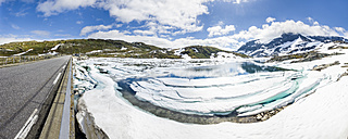 Norway, Jotunheimmen National Park, Sognefjell moutain route and Ovre Hervavatnet lake - STSF01135