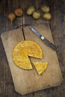 Potato tortilla on wooden board - LVF05567