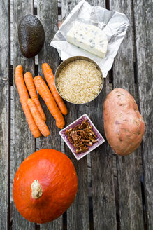 Ingredients of autumnal salad - SARF03052