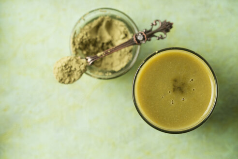Green smoothie with matcha powder - MYF01822