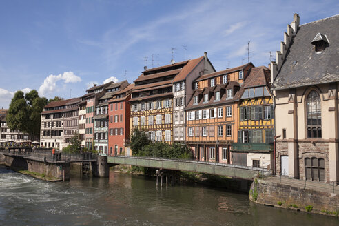 France, Strasbourg, Half timbered houses at Ill river, UNESCO World heritage - WIF03373