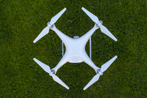 Drone standing on lawn - MMAF00012
