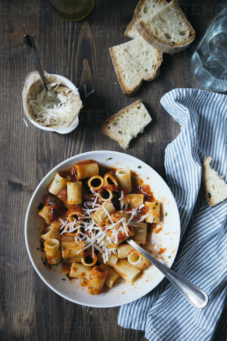 Pasta with tomato sauce - DAIF00010 - ABCreative/Westend61