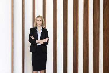 Portrait of confident businesswoman - PESF00392