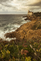 Italy, Tuscany, Castello del Boccale at the coast - FCF01125