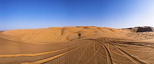 Oman, Al Raka,Dunes in  Rimal Al Wahiba desert - AMF05078