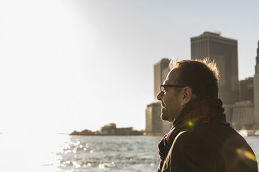 USA, Brooklyn, profile of relaxed man looking at distance - UUF09291
