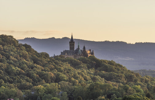 Germany, Wernigerode, view to Wernigerode Castle in the evening - PVC00941