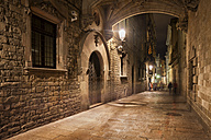 Spain, Barcelona, Barri Gotic at night - ABOF00110
