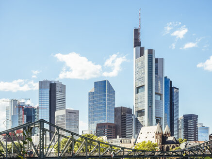 Germany, Frankfurt, view to skyline with Eiserner Steg in the foreground - KRPF02033