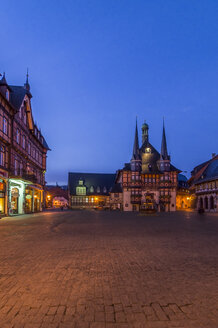 Germany, Wernigerode, town hall and market square in the evening - PVCF00948
