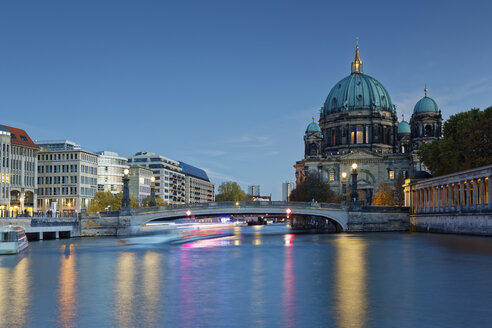 Germany, Berlin, view to Berliner at twilight - GFF00906
