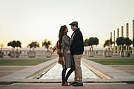 Spain, Barcelona, couple in love face to face - KKAF00145