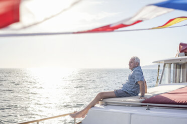 Senior man on a boat trip - WESTF22281