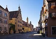 Germany, Bavaria, Franconia, Dinkelsbuehl, old town - SIEF07192