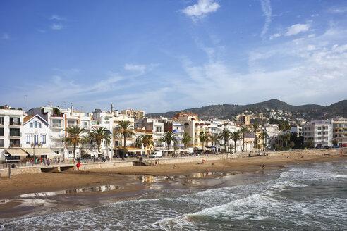 Spain, Catalonia, Sitges, coastal town and beach at Mediterranean Sea - ABOF00139