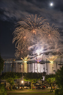 Germany, Constance, Lake Constance, fireworks at Seenachtsfest - SHF01913