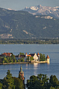 Germany, Lindau, Lake Constance, view from Hoyerberg on island and mountains - SHF01916