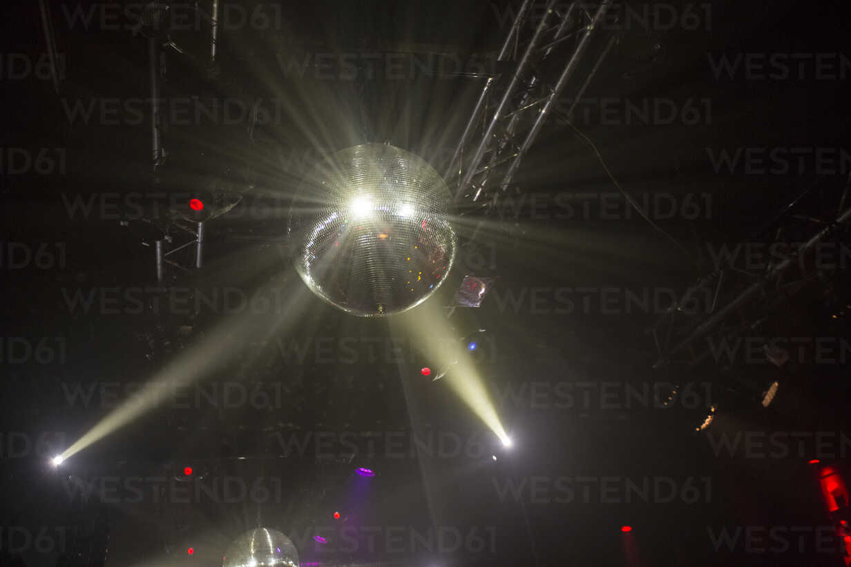 Disco ball - TAMF00905 - A. Tamboly/Westend61