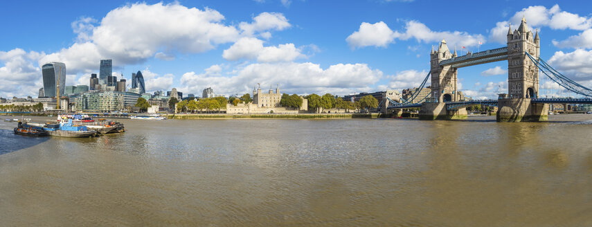 UK, London, view at City of London, River Thames and Tower Bridge - AMF05135