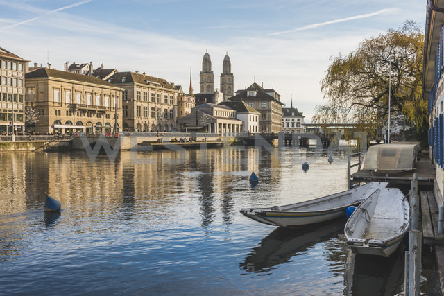 Switzerland, Zurich, view to the city with Limmat in the foreground - KEBF00440