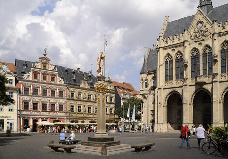 Germany, Erfurt, view to Haus zum breiten Herd, guildhall and town hall at Fish Market Square - BT00454
