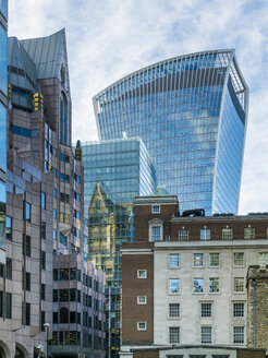 UK, London, financial district with 20 Fenchurch Street in the background - AMF05144