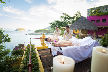 Luxury vacation with massage on ocean front terrace - ABAF02101