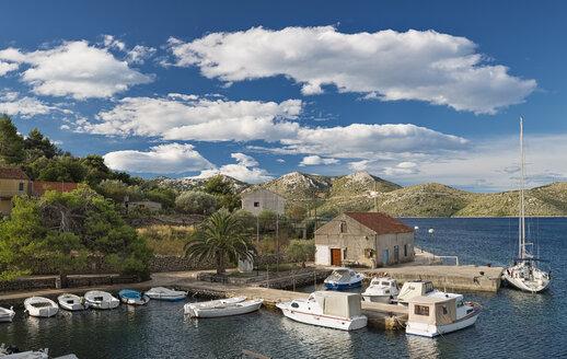 Croatia, Rava Island, viwe to harbour mole of Mala Rava and to Dugi Otok - SHF01947