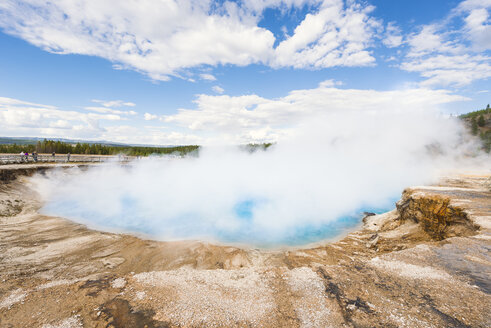 USA, Wyoming, Yellowstone National Park, Excelsior Geyser - EP00210