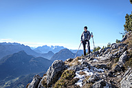 Germany, Bavaria, Hochstaufen, hiker at Jaegersteig - HAMF00249
