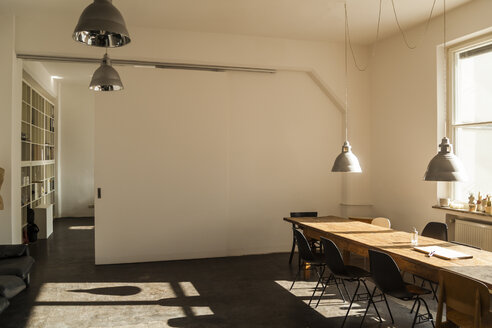 Modern conference room - TCF05278