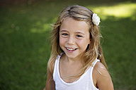 Portrait of blond little girl wearing flowers - LITF00472