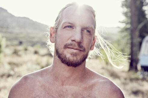 Portrait of bearded man outdoors - SRYF00197