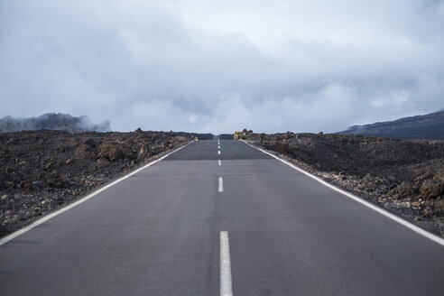 Spain, Tenerife, empty road in Teide National Park - SIPF01262