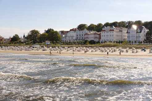 Germany, Usedom, Bansin, view to the beach - SIEF07252