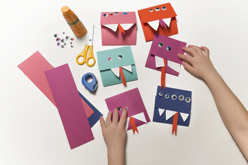 Home-made monster invitation cards - MFF03451