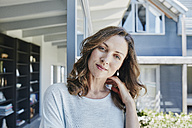 Woman at home, portrait - RORF00484