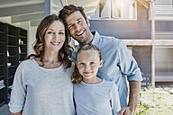 Happy family at home - RORF00493