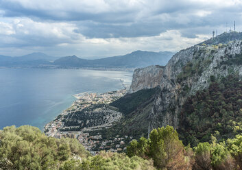 Italy, Sicily, view from Monte Pellegrino to Palermo - HWOF00207